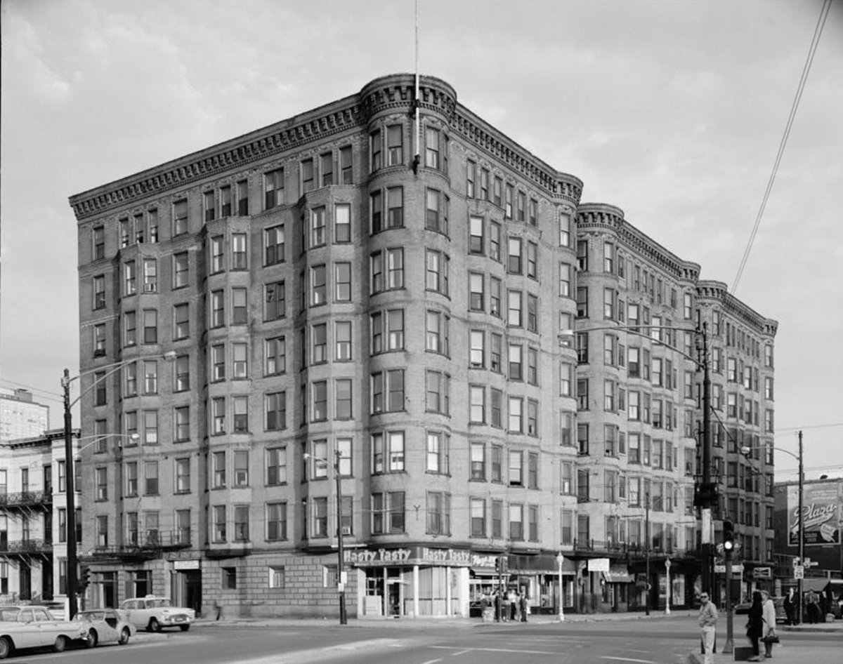 The Plaza Hotel as seen in 1964.