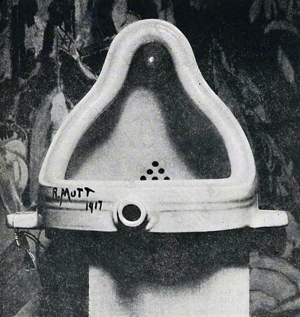 The original Fountain photographed by Alfred Stieglitz in 1917.