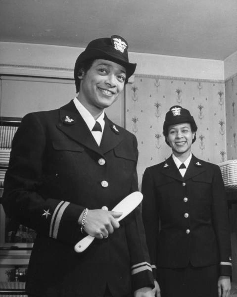 Lieutenant (Junior Grade) Harriet Ida Pickens (left), and Ensign Frances Wills
