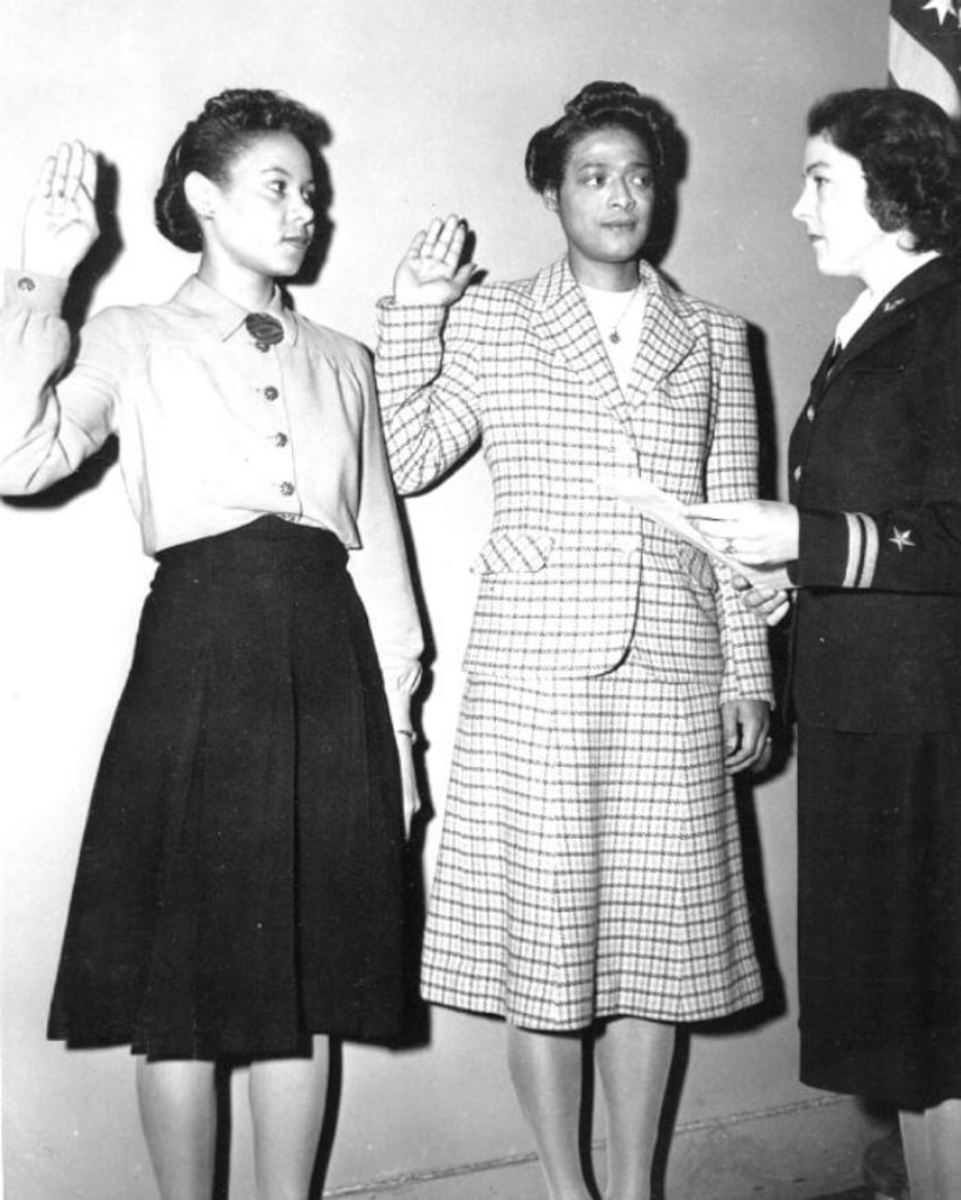 Being sworn in as Apprentice Seamen, November 1944