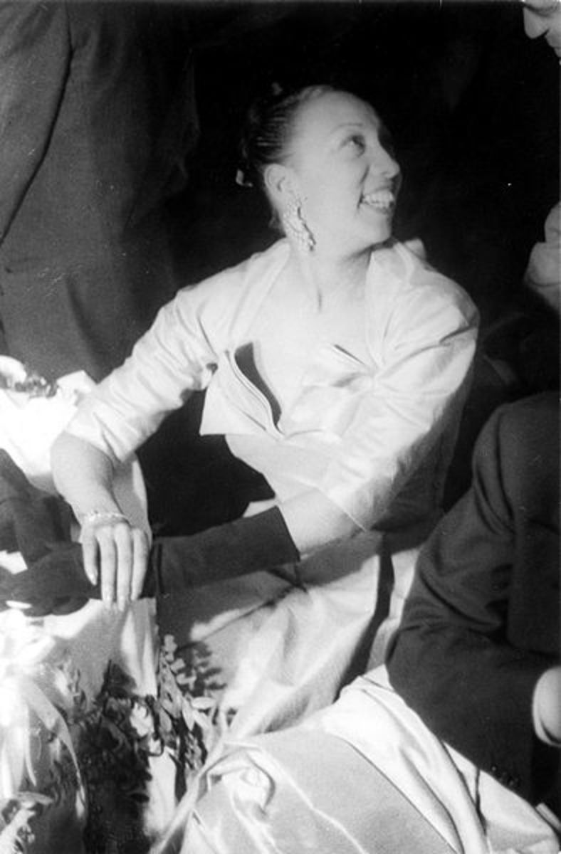Entertainer Josephine Baker, American-born French citizen.