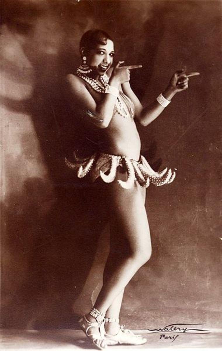 Josephine Baker in her famous banana skirt costume