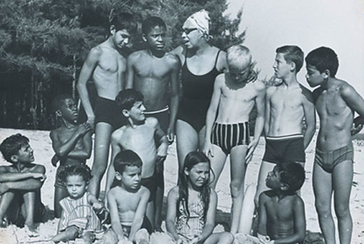 """Josephine Baker with her adopted children, """"The Rainbow Tribe"""""""