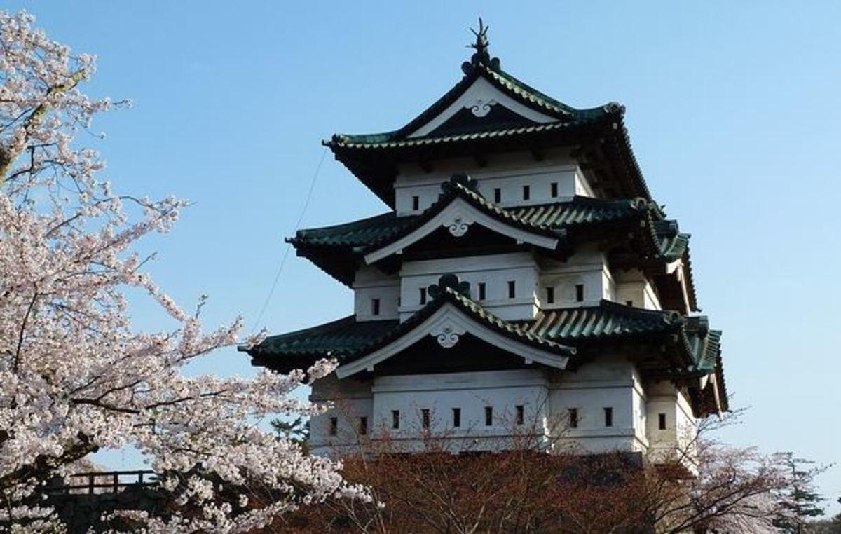 feudal-era Japanese castle