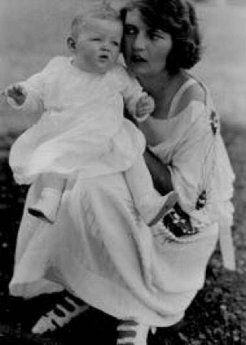Scottie with her mother, Zelda Sayre Fitzgerald.