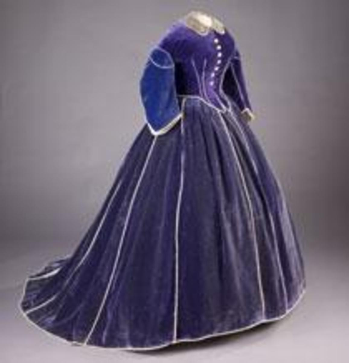 Dress made for Mrs. Lincoln by Elizabeth Keckley. Dress is part of the Smithsonian's First Ladies Collection