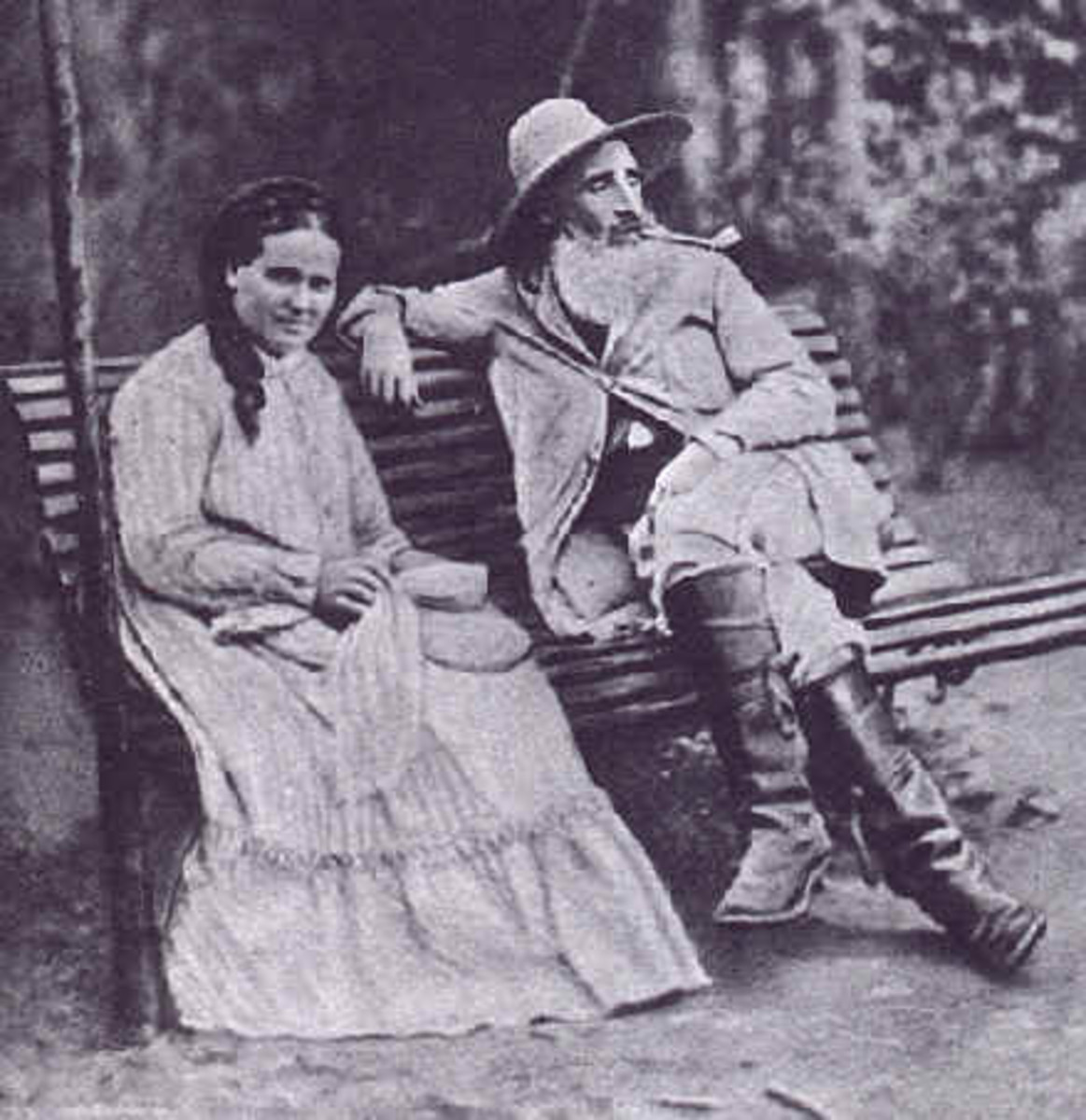 A photograph of Pissarro that was taken in 1877.