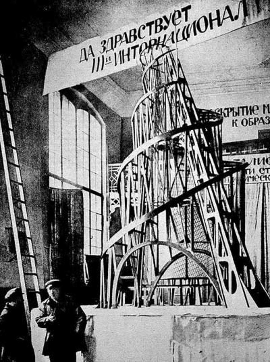 russian-avant-garde-art-rayonnism-suprematism-and-constructivism