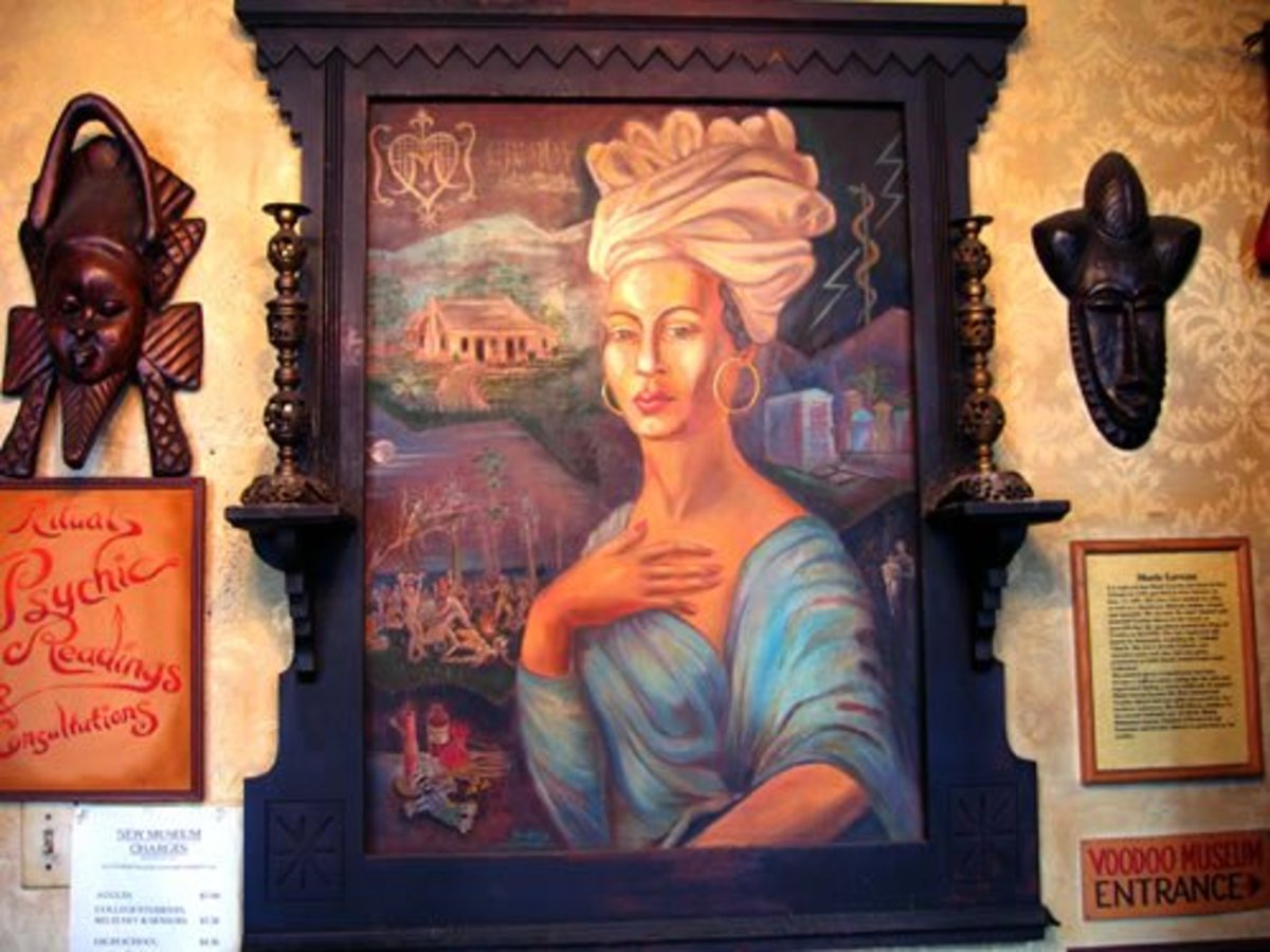 On Dumaine Street is the Voodoo museum, which has several of Marie's possessions on display and this painting at their entrance. Again, it's highly unlikely to have been modeled on the Voodoo Queen.