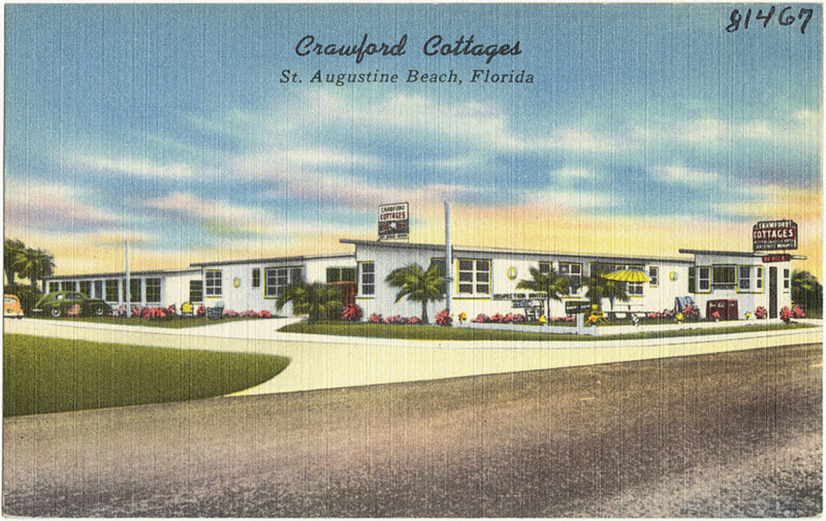 1950's style Florida motel like one the family might have been planning to stay at.