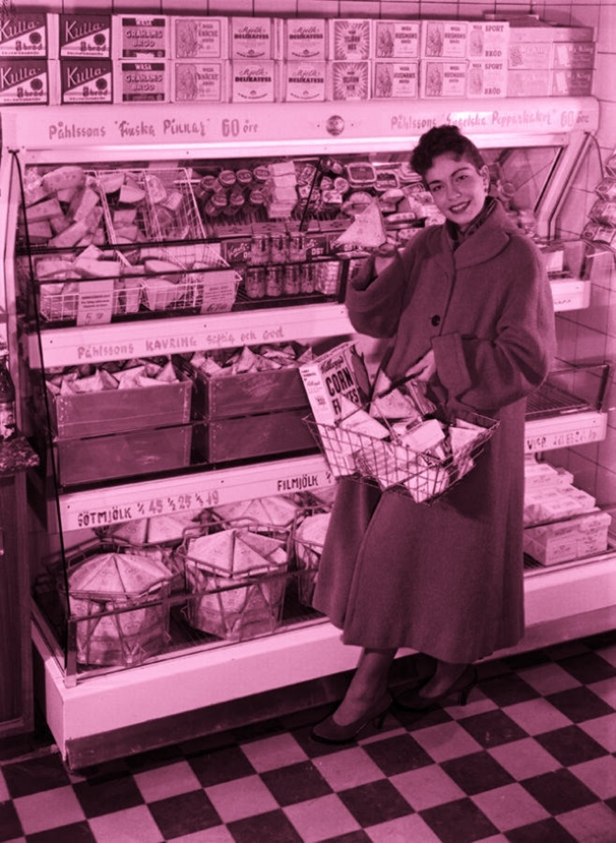 A 1950s housewife doing her shopping