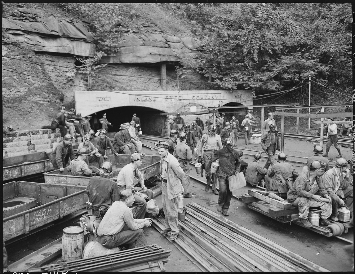 Changing shifts at the mine portal in the afternoon, Floyd County, Kentucky, 1946