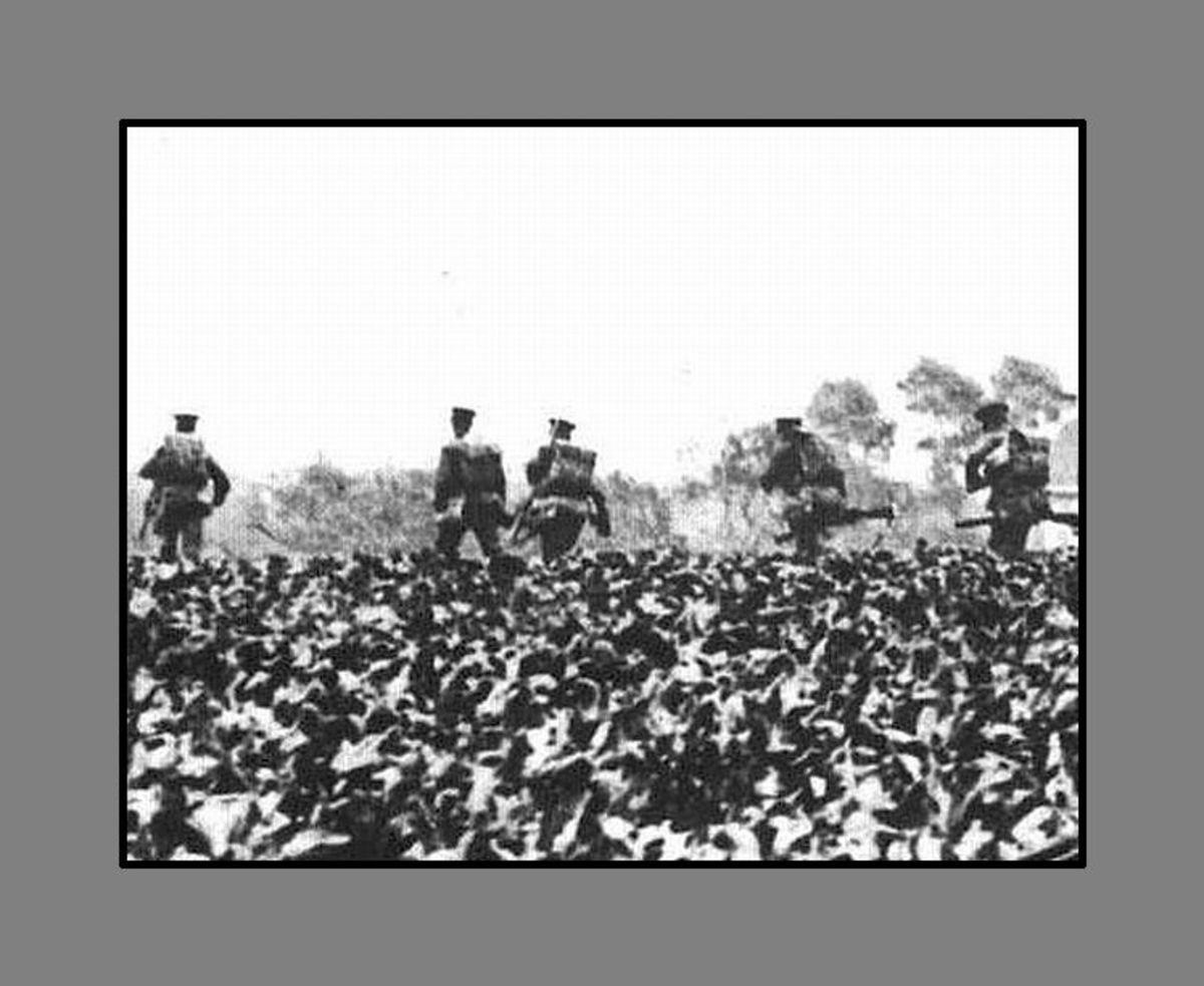 WW1: British troops during the Great Retreat-- the 200-mile fighting retreat against the invading German armies.