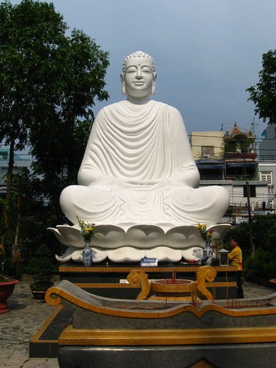 famous statues of buddha depicting 10 mudras or hand
