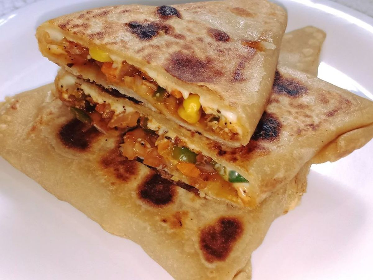 Pizza Paratha: Indian-Italian Fusion Recipe