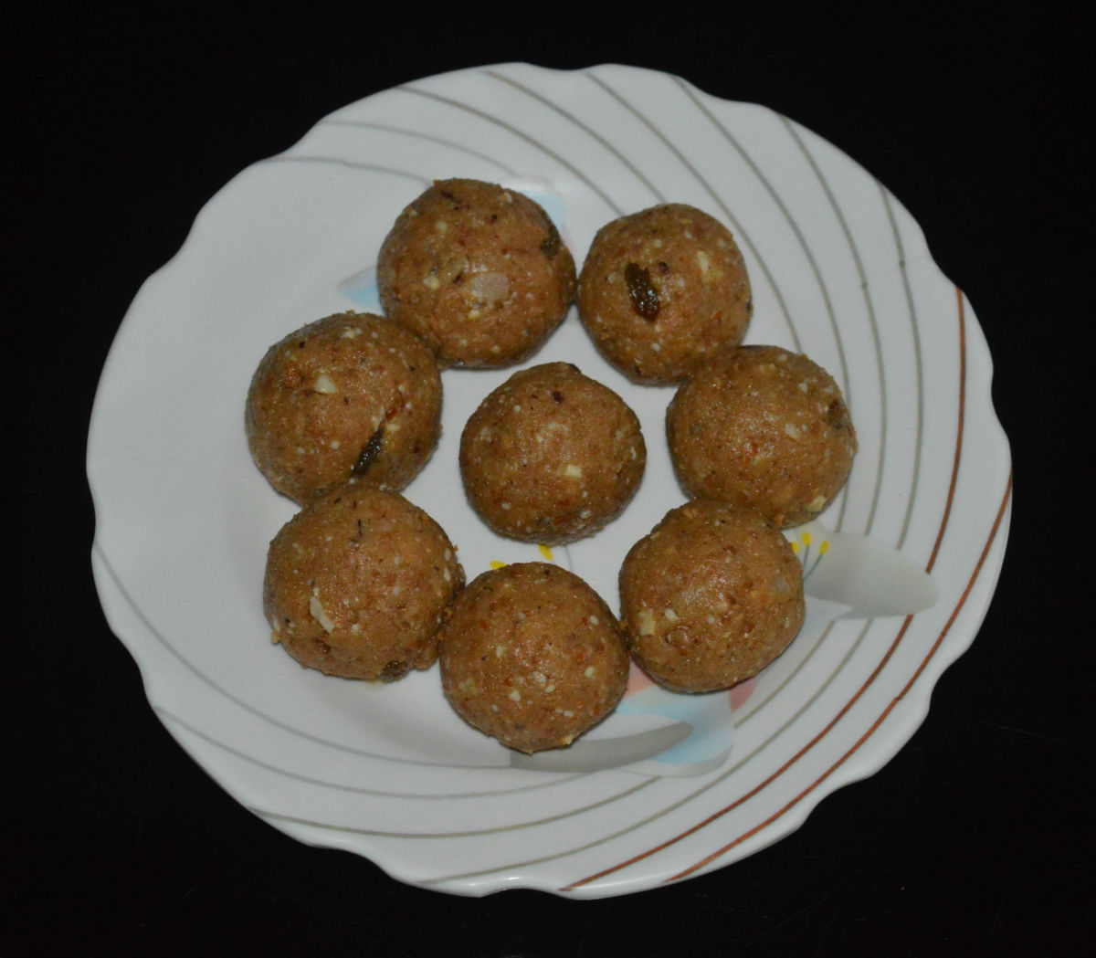 Wheat Flour and Dry Fruits Laddu
