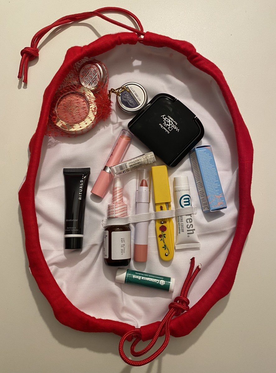 How to Sew Your Own Flat, Drawstring Cosmetic Bag
