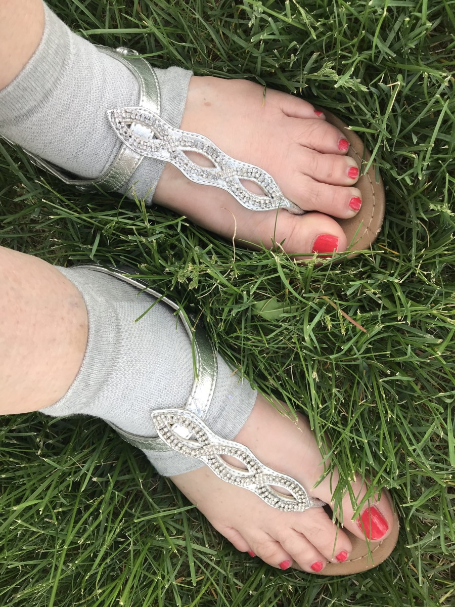 You can even wear these with your pretty sandals and show off your pedicure!
