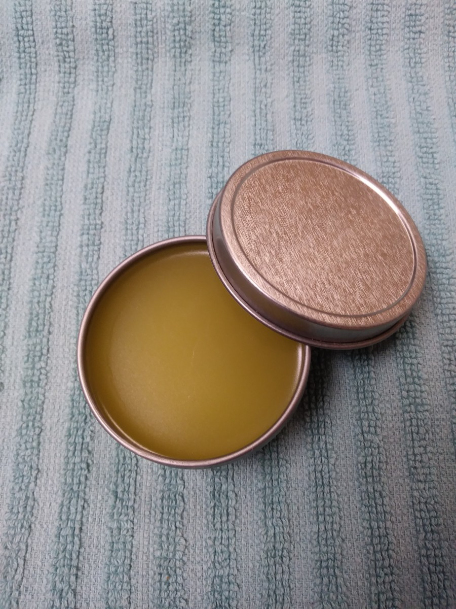 Homemade Skin-Soothing Salve