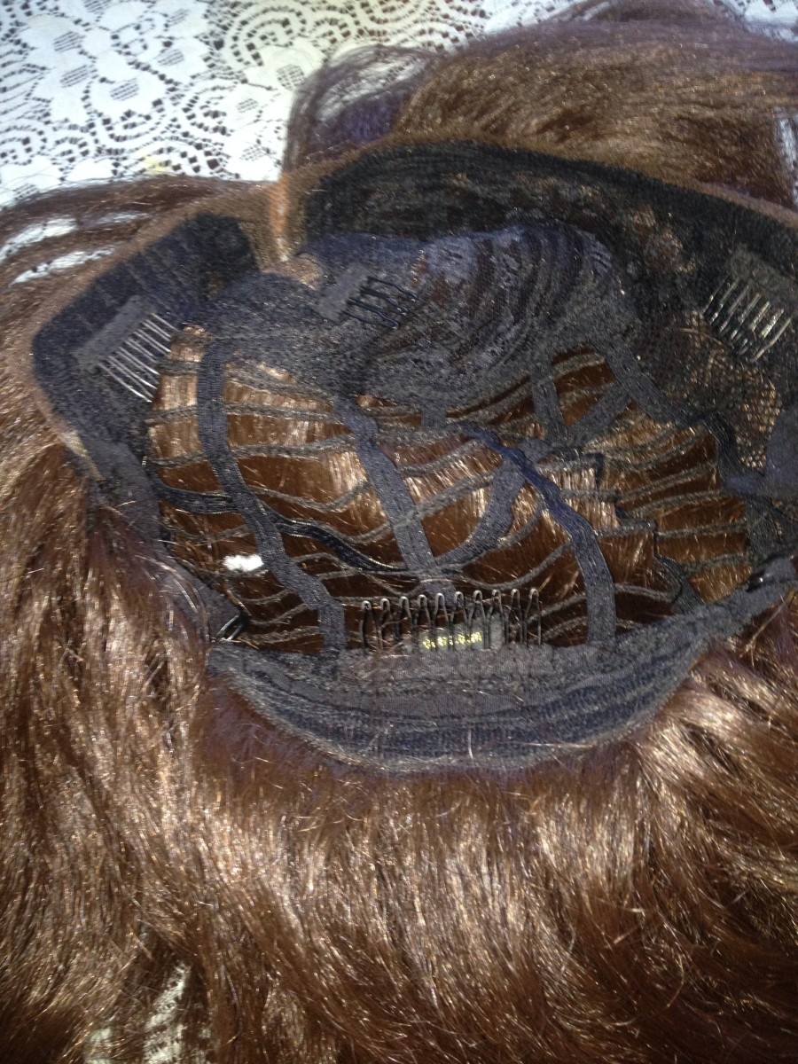 The 4 combs on the Outre Stunna wig make it completely secure for those who wear combs.