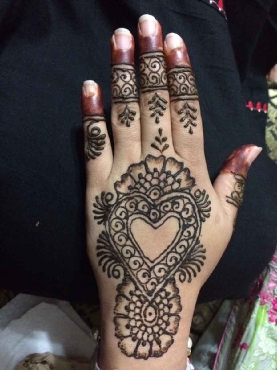 One of my friend's hands after I did their henna.