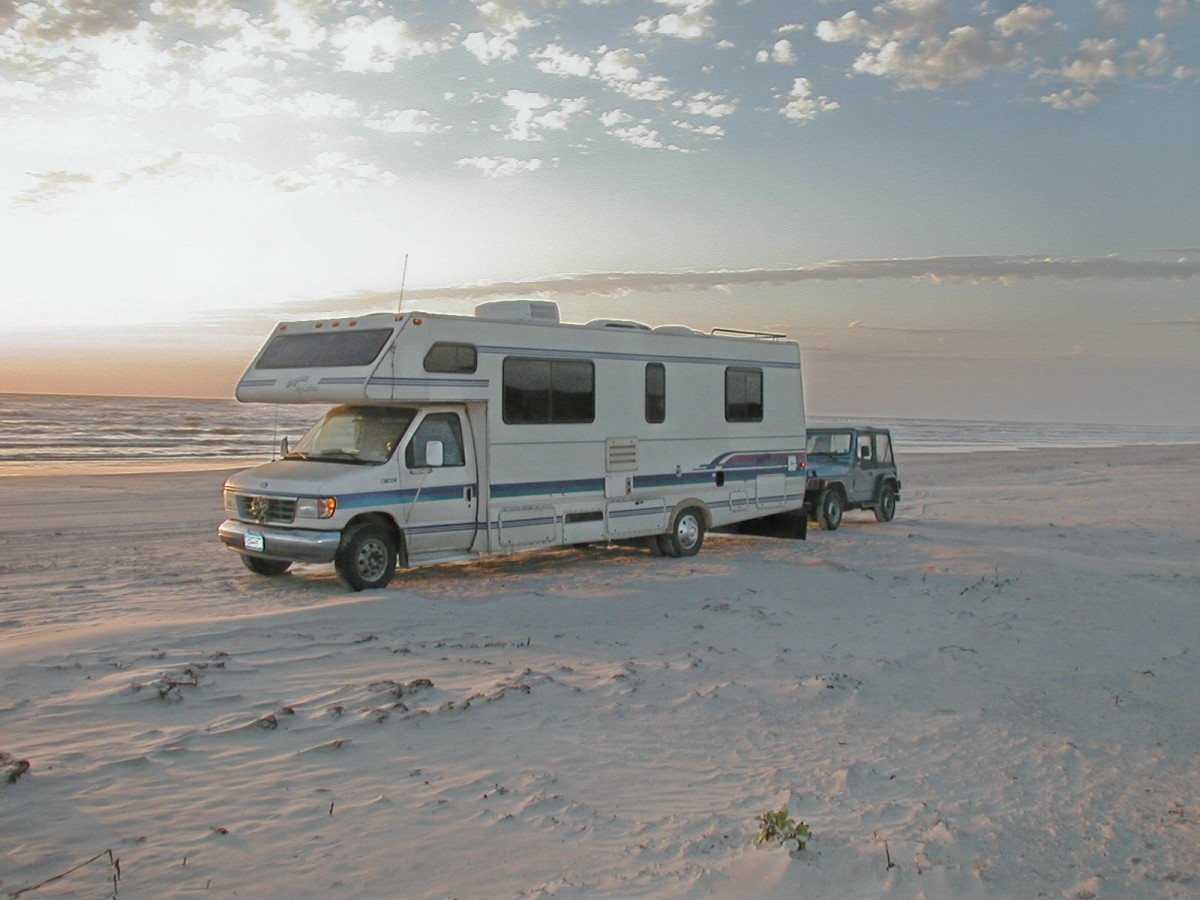 The rving lifestyle living full time in an rv axleaddict for Minimalist living in an rv