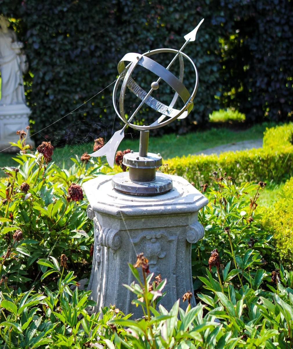The Timeless Sundial