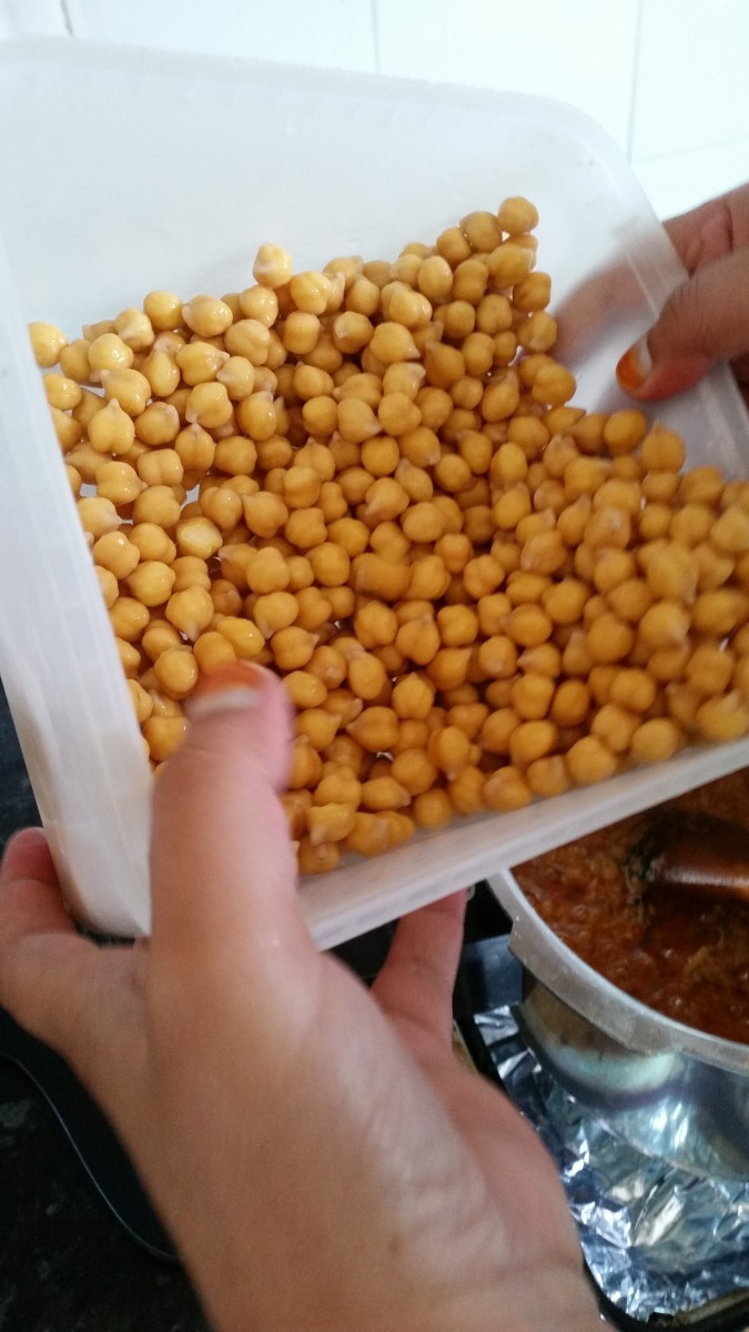 Step Five: Rinse chickpeas thoroughly, then add chickpeas to gravy.
