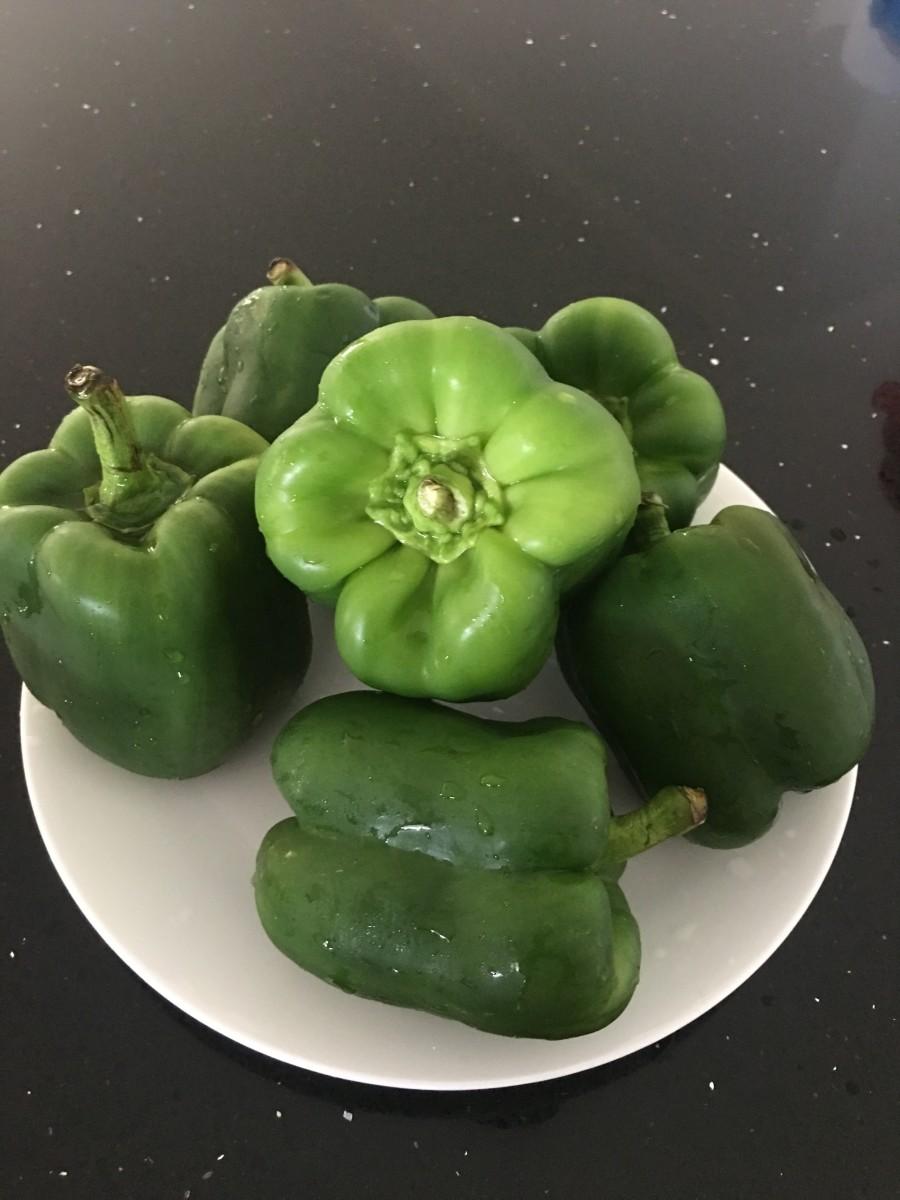 Medium-sized capsicums