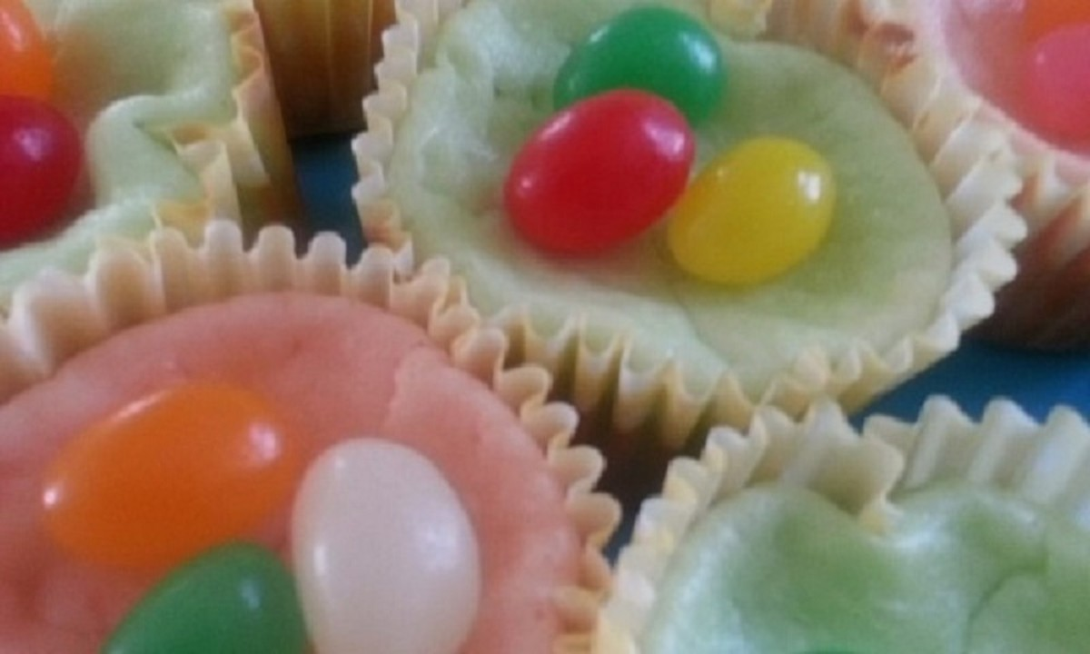 Jelly bean mini cheesecakes are a delightful Easter treat!