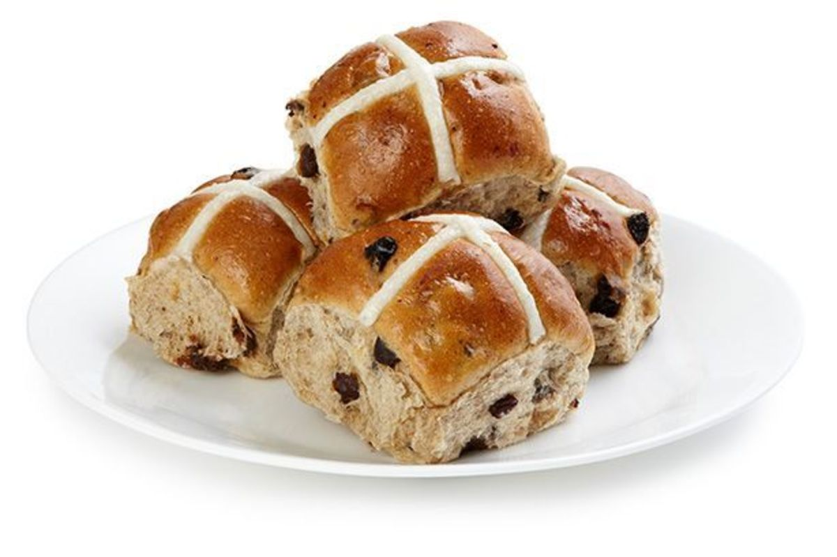 Hot cross buns with fruit