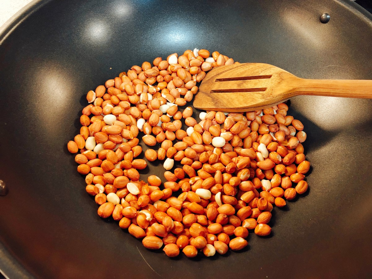 Roast the peanut in a pan without oil.