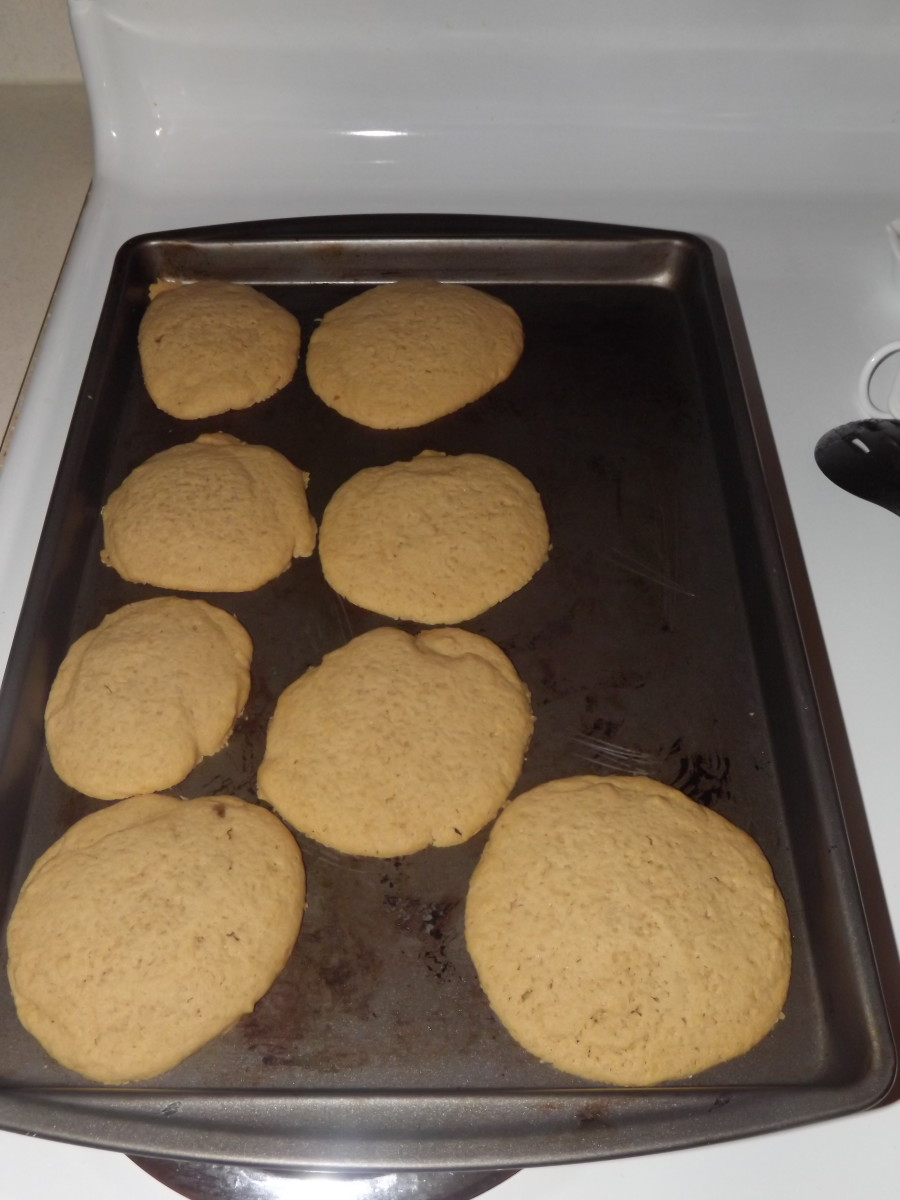 Cookies ready for cooling.