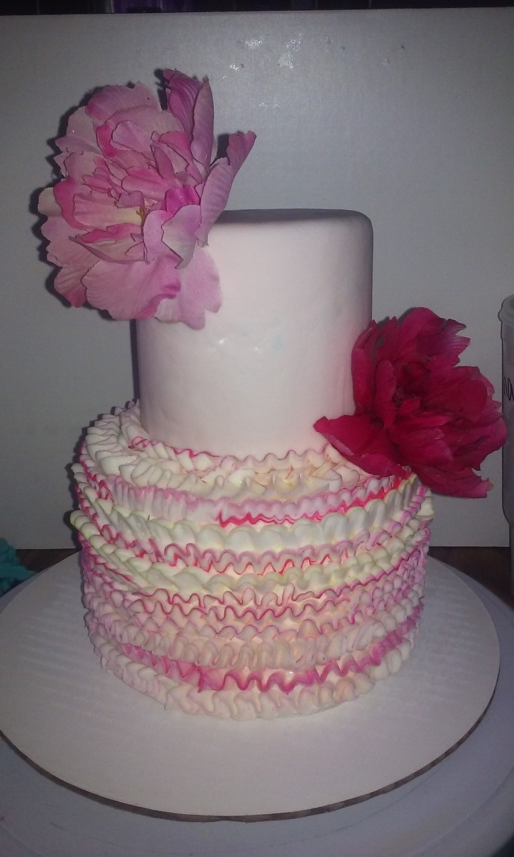 Here is my beautiful cake on a lazy cake board.