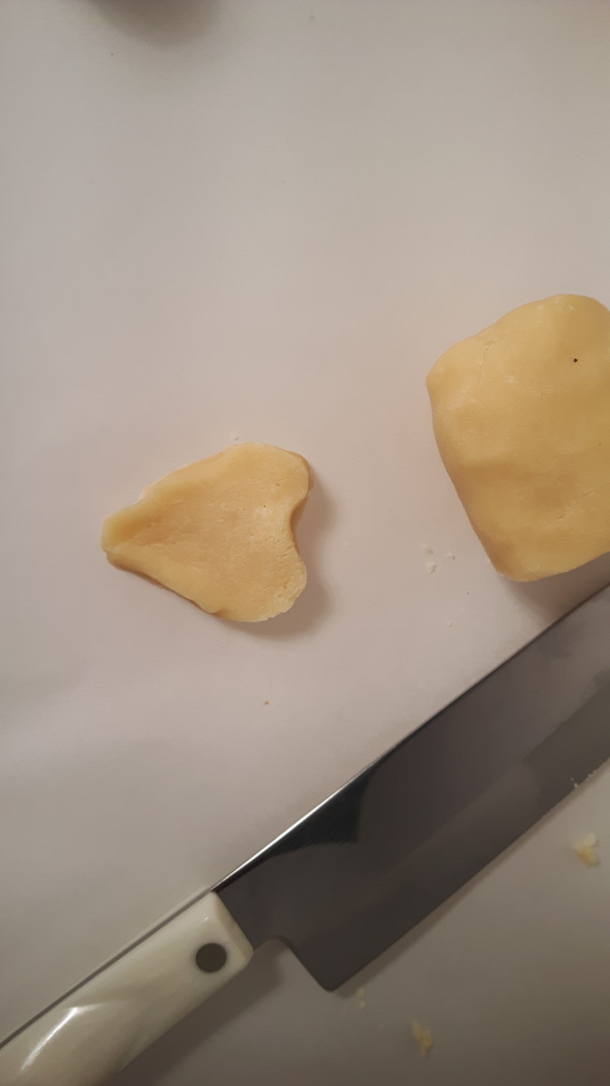 Shape the remaining cookie slices