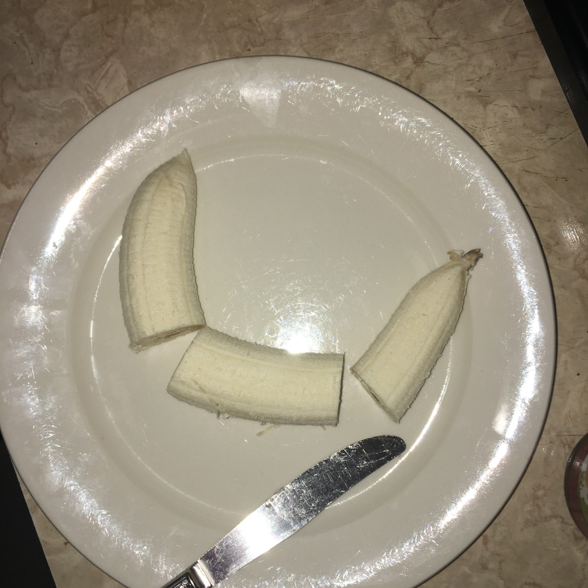 Cut the bananas into thirds
