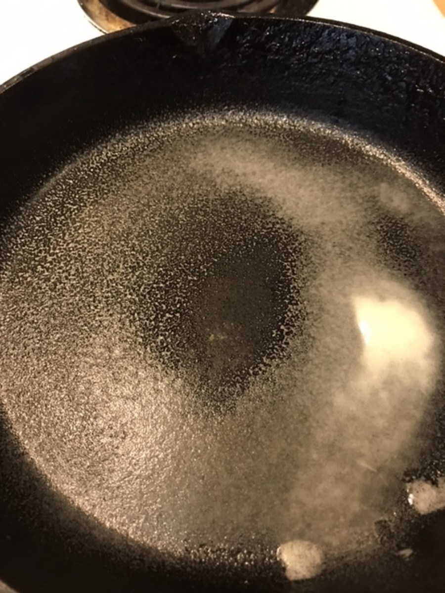 French Toast tends to stick, so a good non-stick skillet or properly seasoned cast iron skillet is key. Use cooking spray or butter for even better results.