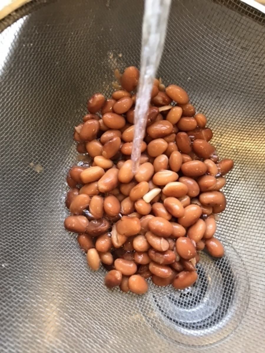 Drain and rinse one can of pinto beans - or feel free to use home cooked if you have them.Homemade beans wouldn't need to be rinsed as canned, commercial beans do.