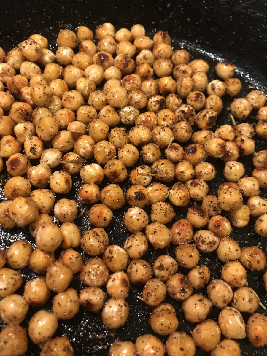 Cook the chickpeas until they reach golden brown - a nice rich color. Get them as dark as you like without letting them scorch. Color here means flavor!