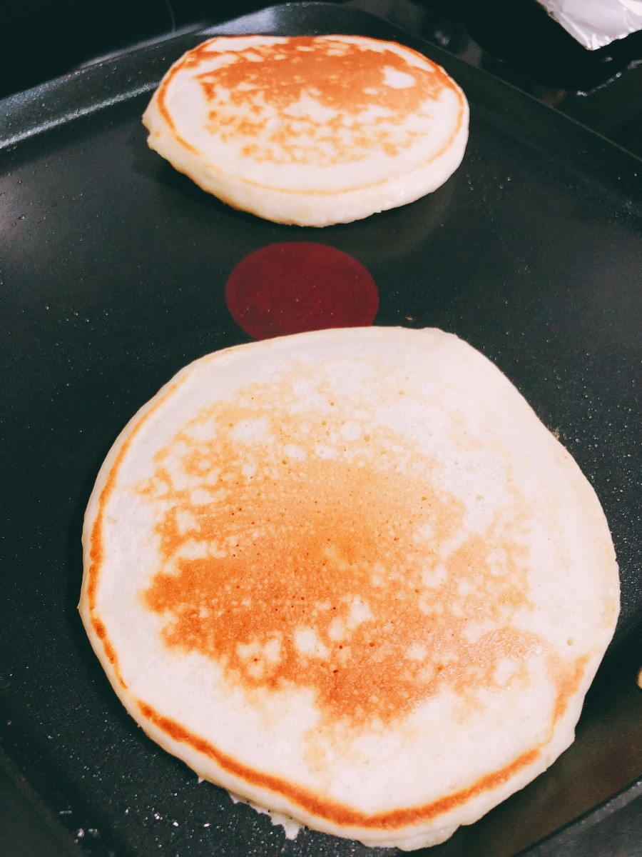 I prefer my pancakes lightly browned.