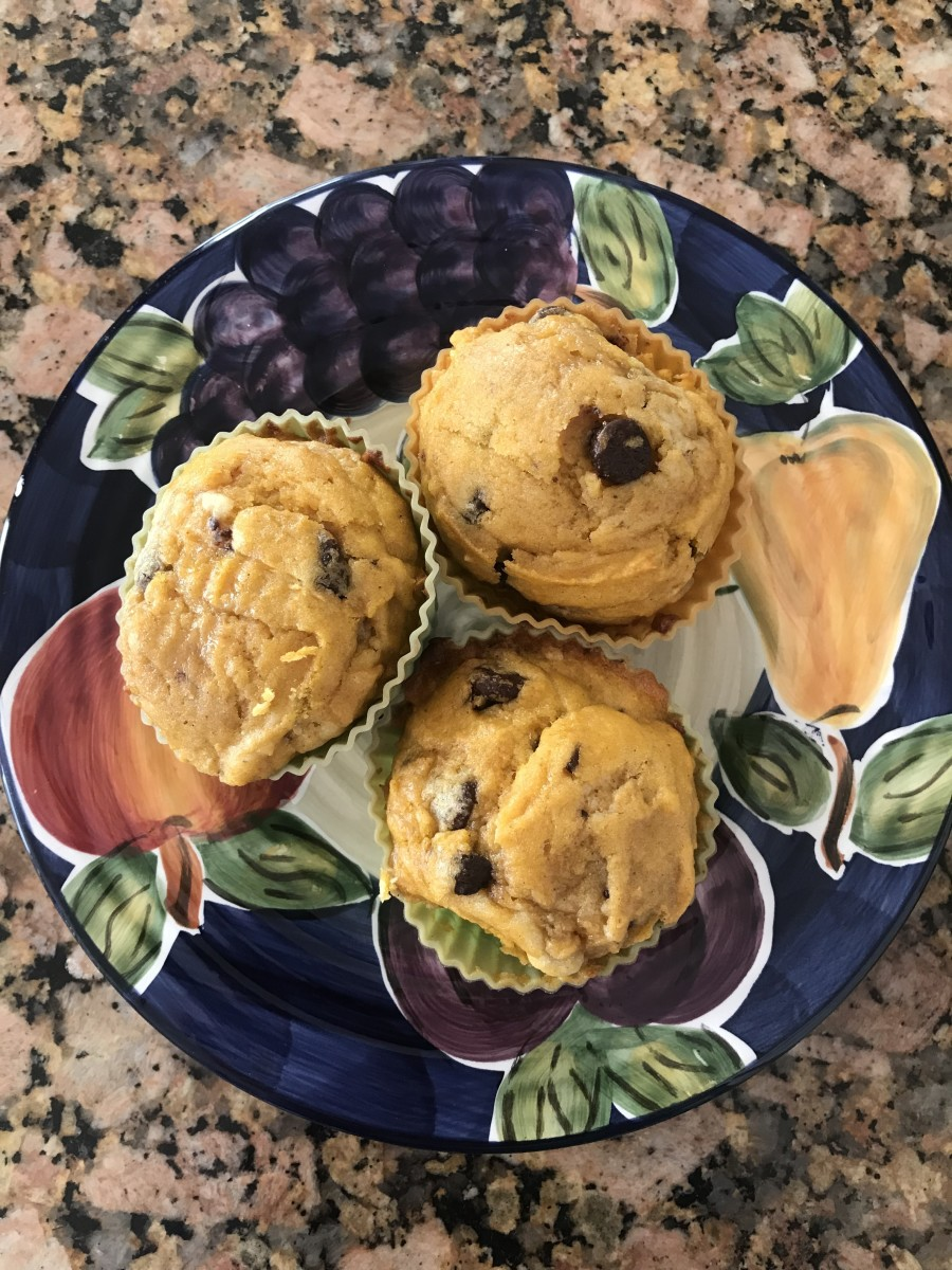 The Best Moist Chocolate Chip Pumpkin Muffins