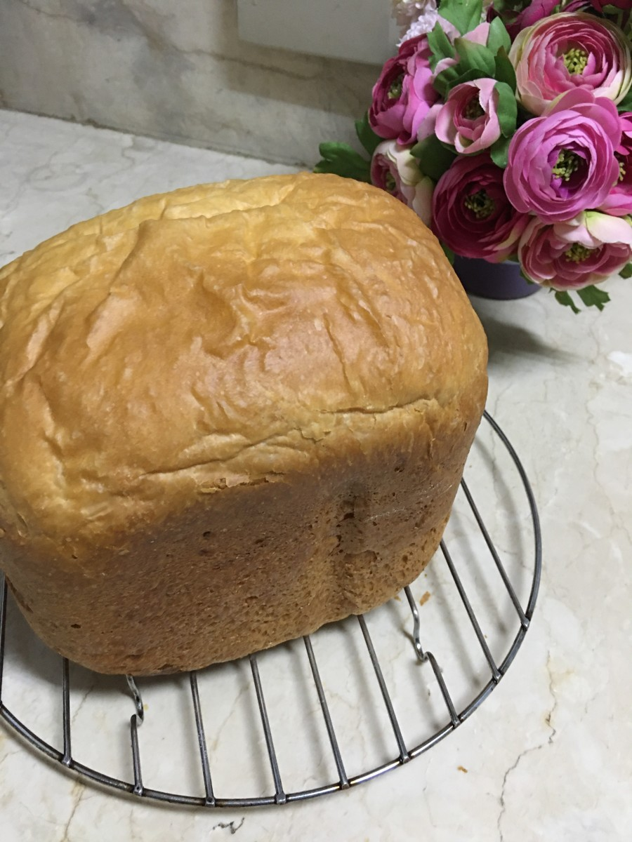 Making your own brioche with a bread machine is easy!