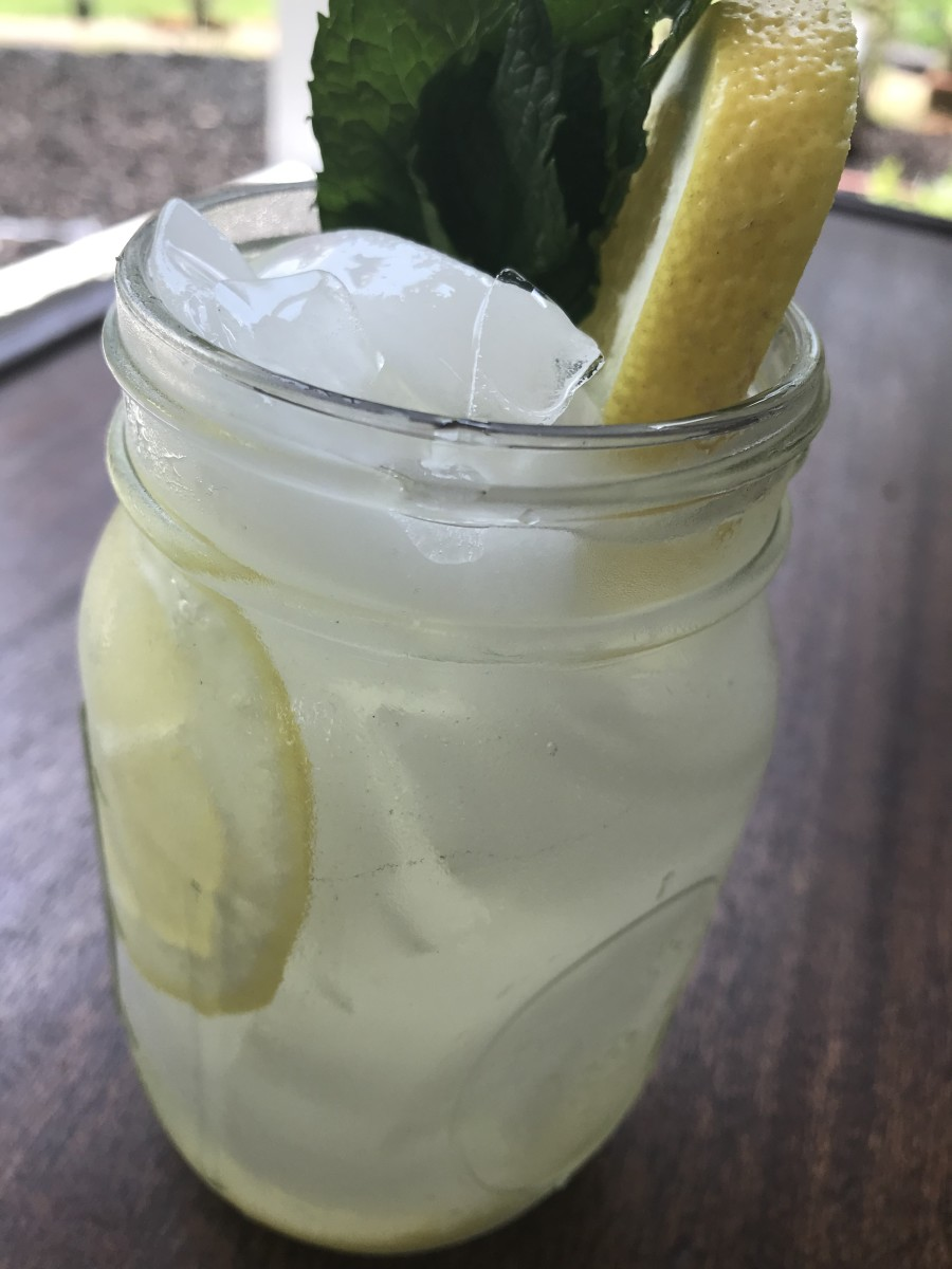 Like summer in a glass, real lemonade is about the best thing you can have on a hot day. Turn on the sprinklers and make a big pitcher!