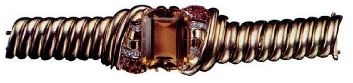 An Art Deco bracelet from Warhol's collection