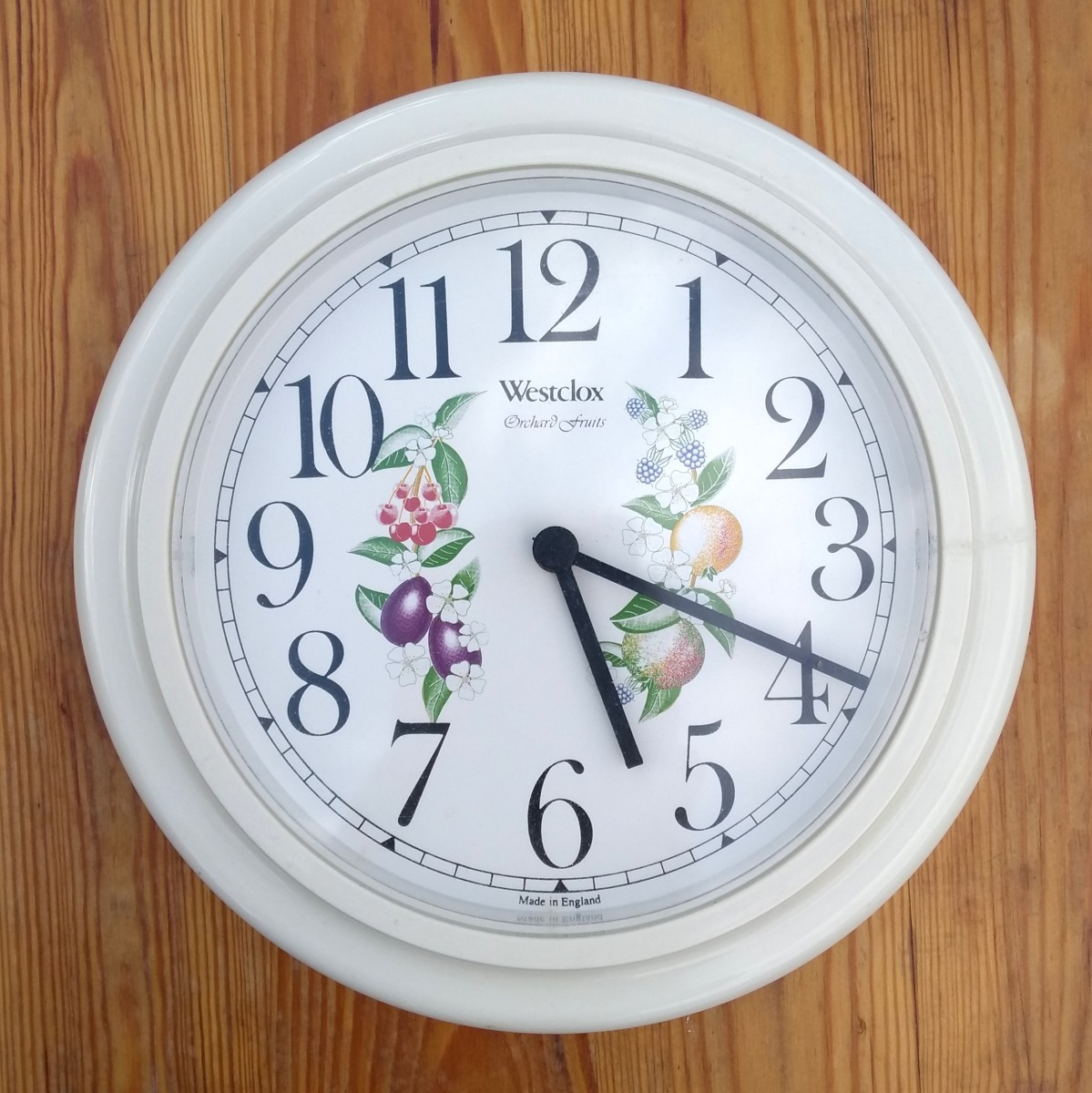 Typical battery quartz electronic wall clock.
