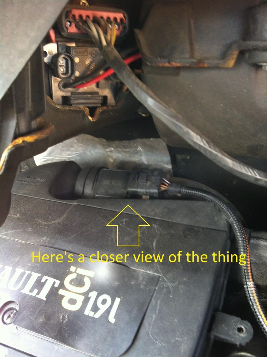 How To Clean    Change Maf Sensor On Trafic  Vivaro