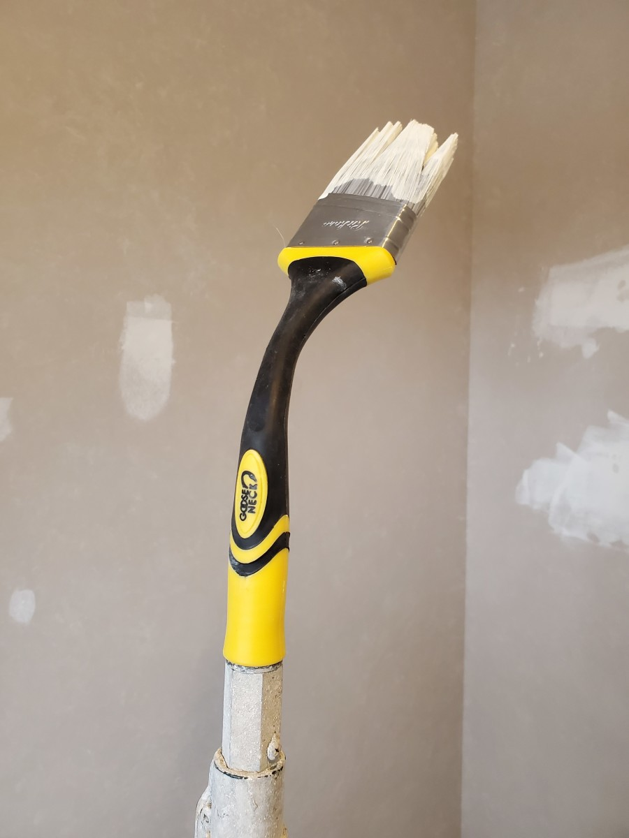 My Review of the Goose Neck Extendable Paint Brush