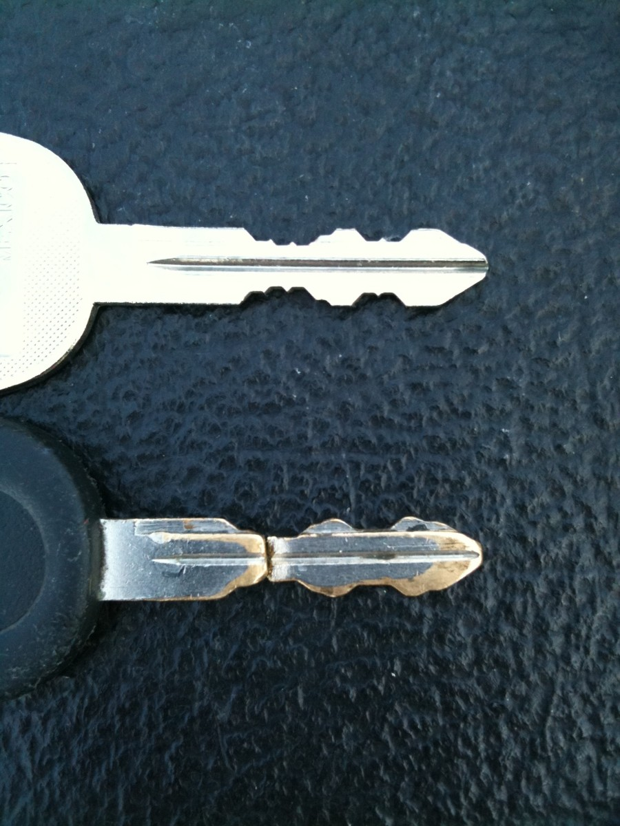 New key on the top and worn key on the bottom