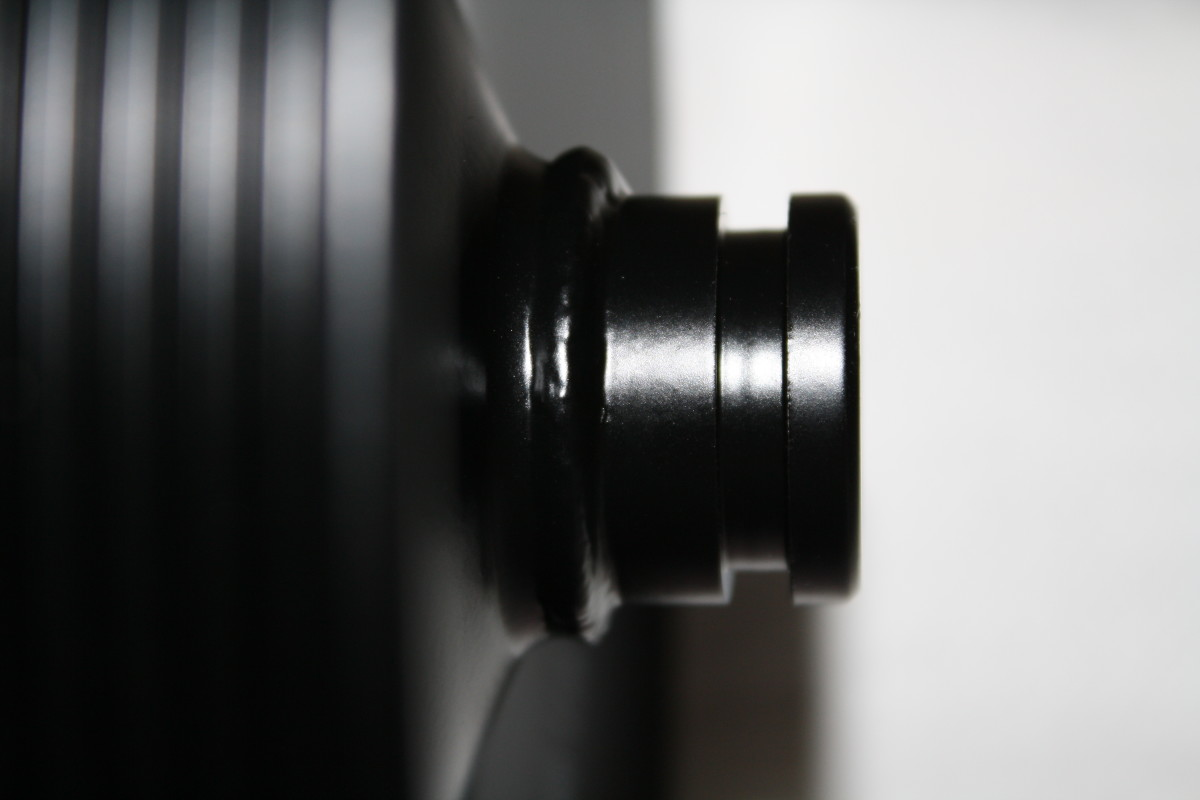 Front flange used by the removal tool.
