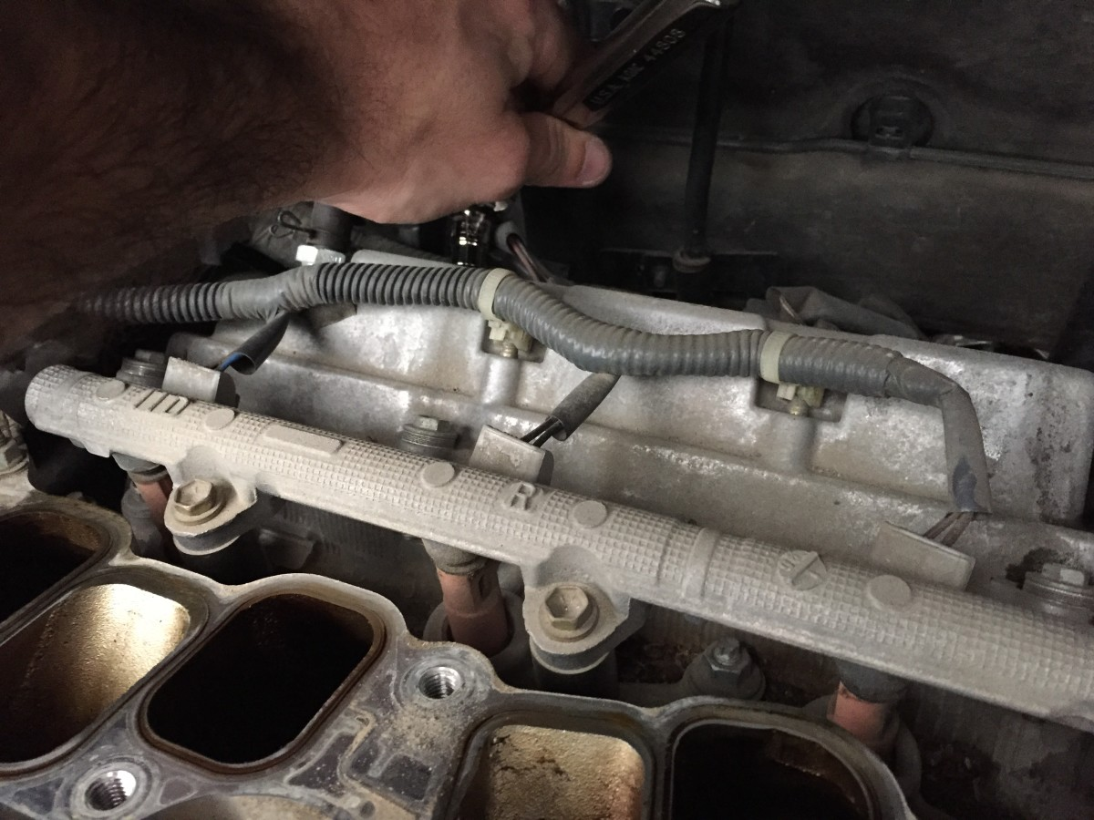 how-to-change-the-spark-plugs-in-your-2004-2005-2006-2007-2008-toyota-sienna-step-by-step